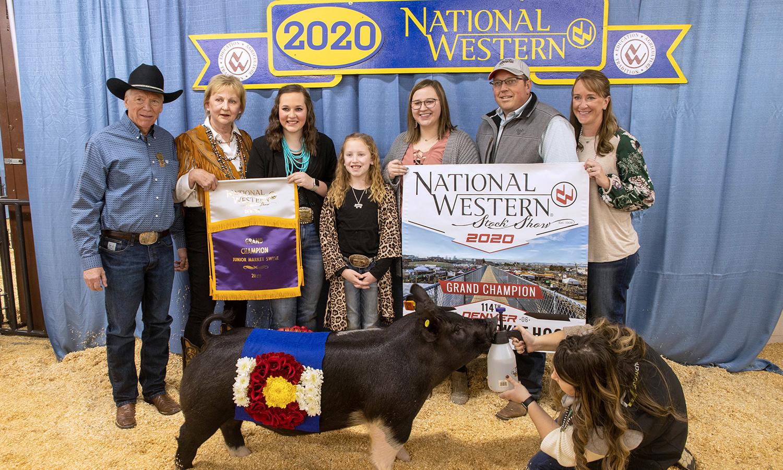 2020 Grand Champion Hog Exhibitor: Alli Stromber, and Buyer: Transwest Trucks